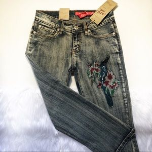 3/$20 NWT cropped jeans embroidered bird size 3/4